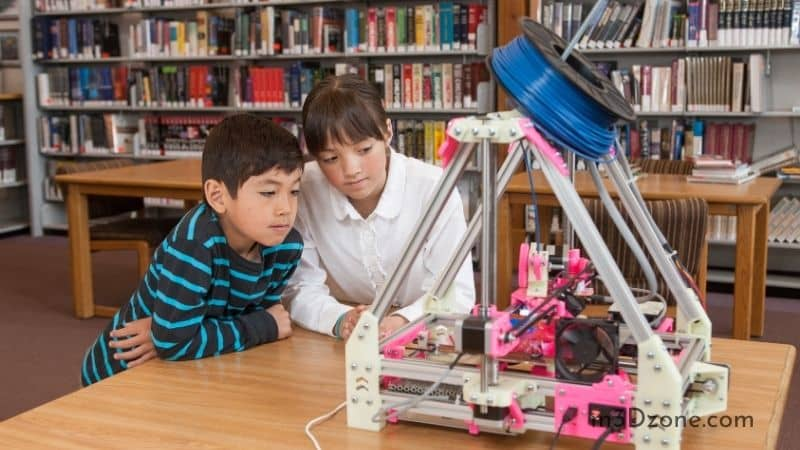 Kids Learning About 3D Printers